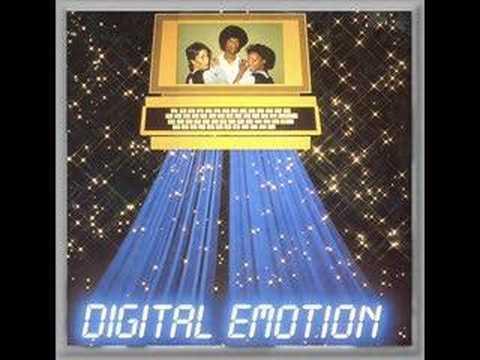 Клип Digital Emotion - Go Go Yellow Screen