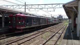 しなの鉄道が2012年8月から2013年夏までの予定で、軽井沢から長野間で運行している「あの夏で待ってる ラッピング列車」です。 2012年8月9日に小...
