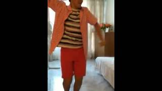 El tato de torremolinos bailando flamenquito