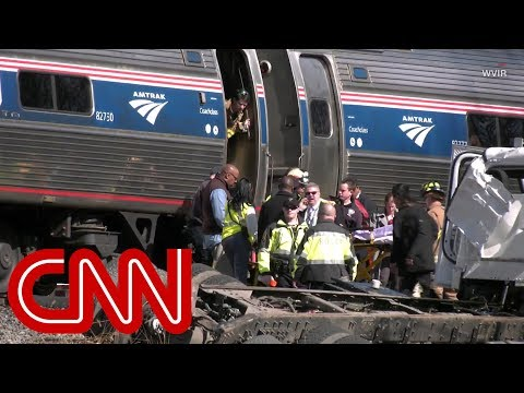 Train carrying GOP lawmakers hits a truck