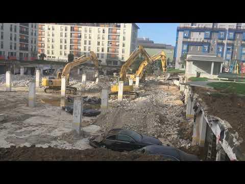 Obras de desescombro del aparcamiento derrumbado en Nueva Montaña