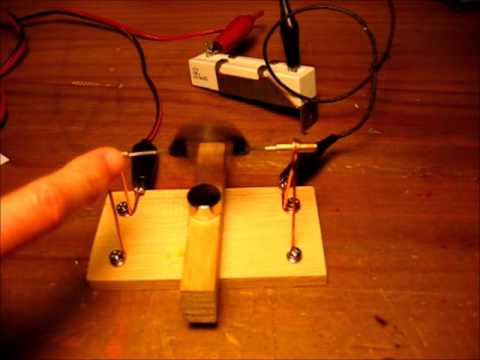 c371ec95c23 Motor con bobina iman y pila - YouTube