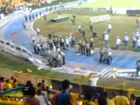 Pelea En El Estadio Jaime Moron
