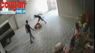 Điều tra vụ xông vào nhà xe Hùng Hường đánh người