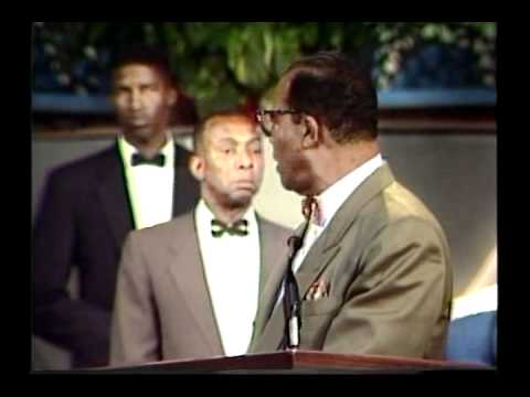 BEST Preaching EVER! Farrakhan Speaks at Fellowship Missiona