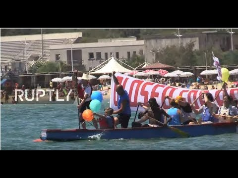 LIVE: Pro-refugee protesters sail against Defend Europe