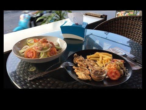 Цены в меню тайского кафе на острове Пхукет, пляж Патонг. Все очень дешево! декабрь 2015 года