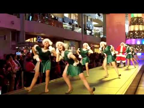 "Santa and Elves ""Believe in the Magic"" at Fashion Show Mall in Las Vegas.flv"