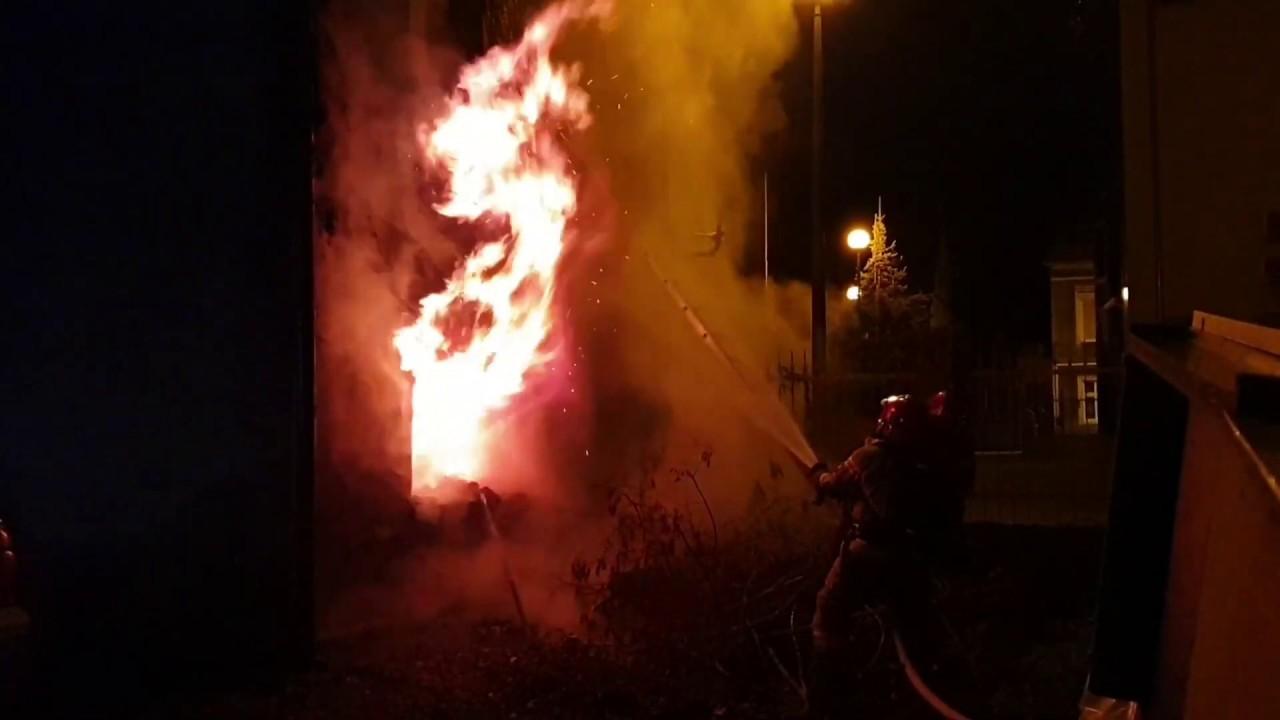 Pożar w Zielonej Górze. Kobieta uwięziona w płonącym lokalu