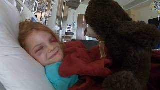 Hospital Bear gets girl to laugh.😅