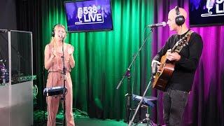 Emma Bale ft. Milow - Fortune Cookie | Live bij Evers Staat Op