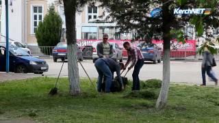 В Керчи привокзальную площадь подготавливают ко Дню депортации