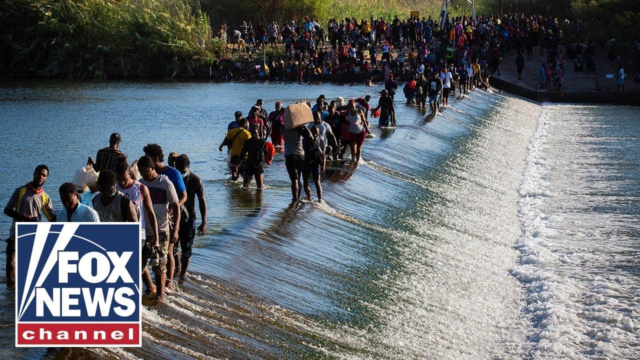 Download CBP shuts Del Rio port of entry amid migrant surge