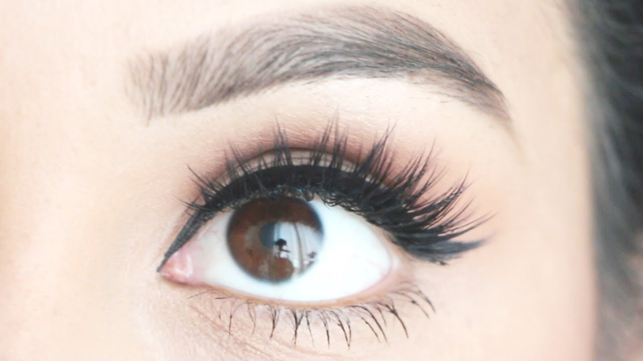 ee066e68473 How to Apply False Eyelashes Quick, Clean and the EASIEST Way! - YouTube