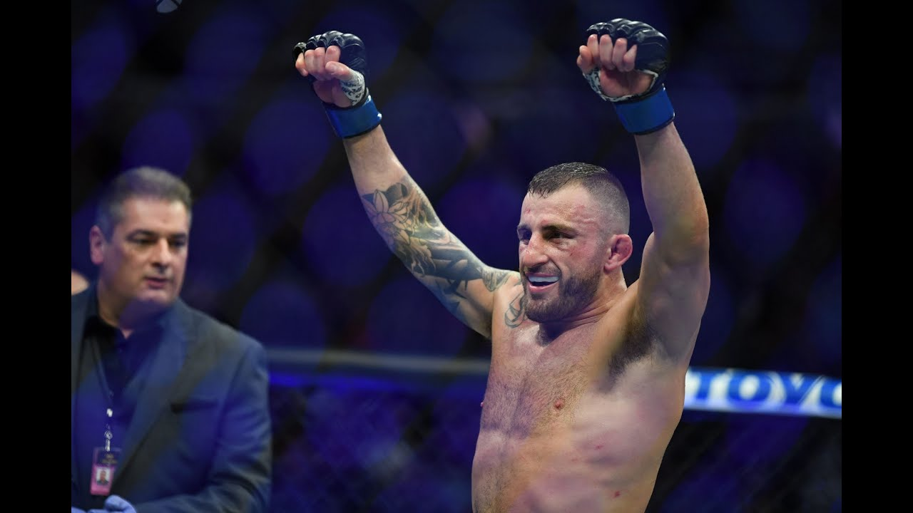 Sports world reacts Alexander Volkanovski defeating Max Holloway ...
