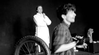 Moral insanity. Tragedia ludzi głupich - Teatr PAPAHEMA - trailer