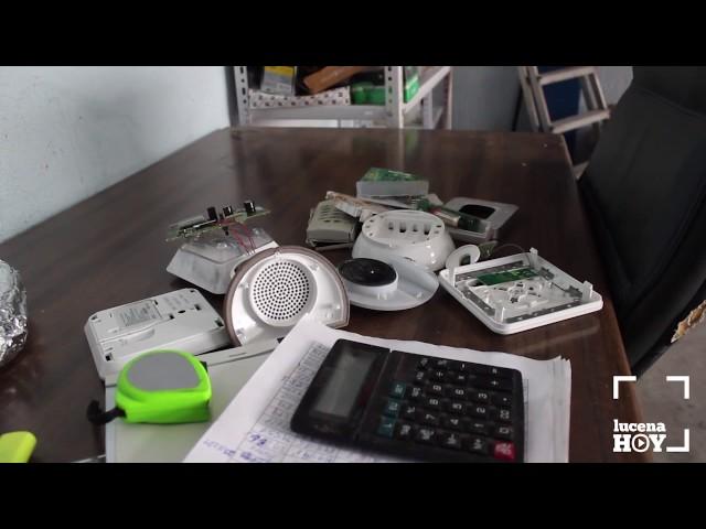VÍDEO: Una cámara graba cómo una banda desvalija las instalaciones de Tourline Express, en el polígono de Pilar de la Dehesa