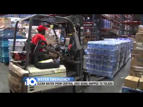 Toledo Water Apocalypse - residents rush to buy bottled water - State of Emergency Declared