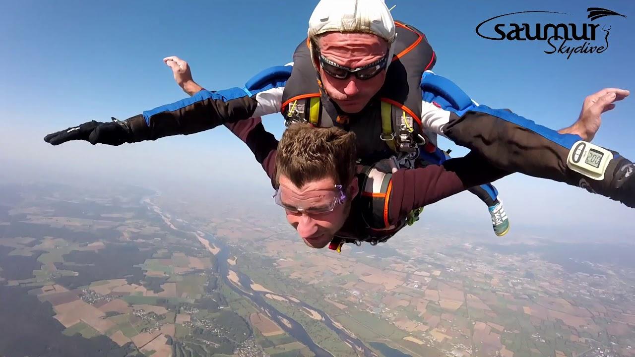 saut en parachute a saumur