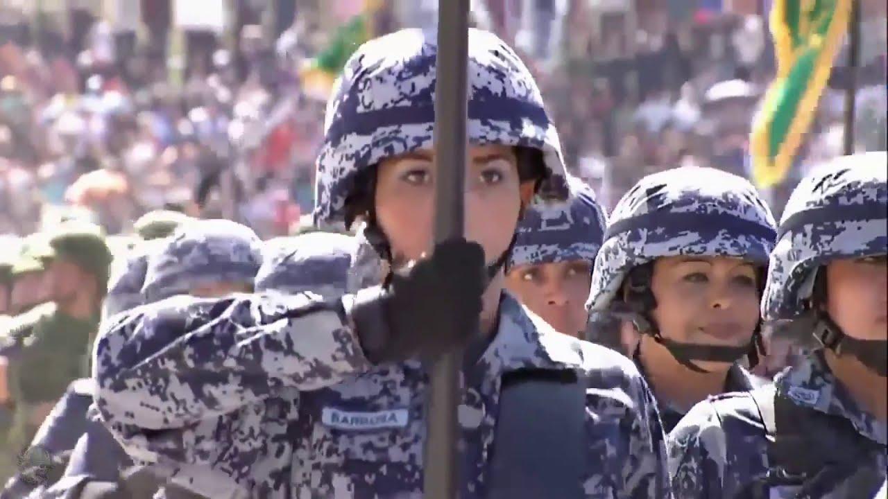 Imponente desfile de las Fuerzas Armadas Mexicanas