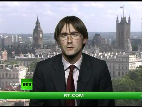 Keiser Report: Gold Stands Rock Hard (E150)