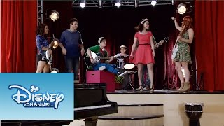 En Gira - Fran, Cami, Alba, Maxi, Andrés y Alex | Momento Musical | Violetta