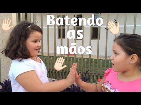 BRINCANDO DE BATER AS MÃOS