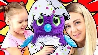 ЯЙЦО Гигант Хетчималс Ждем появление Малышей Жирафиков Лоток Яиц Hatchimals Видео для детей
