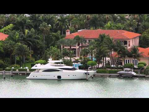 Miami mansions of the rich and famous on Palm Island