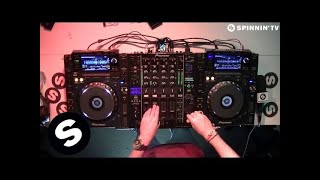 Gambar cover Oliver Heldens DJ Set (Live At Spinnin' Records HQ)