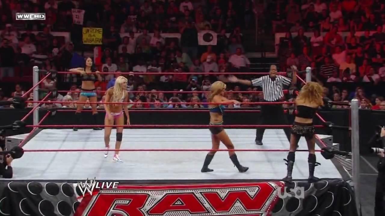 Gail Kim 2009 Raw 07/20/09 - Legs Ma...