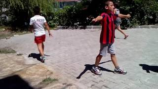 küçük bir mahalle maçı