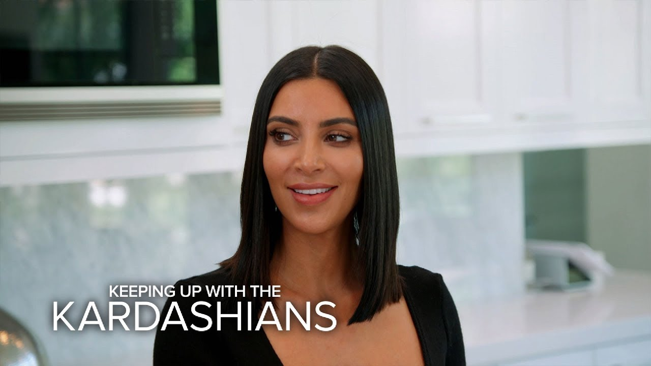 Kuwtk Khloe Kardashian Distracts Kim While Kourtney Does What