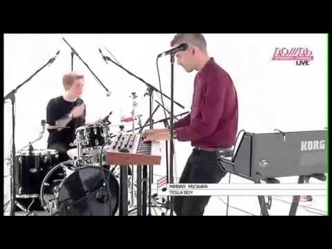 TESLA BOY - Neon Love [Live@TV Rain 2012] HQ