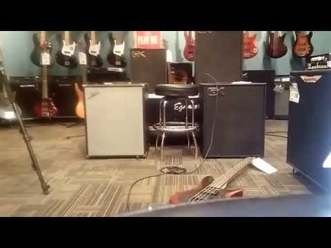 Fender Rumble v3 115 vs GK MB 115 COMBO'S