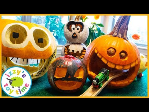 HALLOWEEN Thomas and Friends PUMPKIN TUNNEL TRACK! Fun Toy Trains for Kids