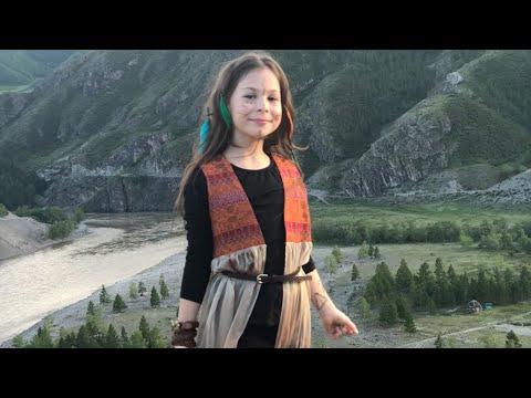 Смотреть клип Полина Королева - Встань