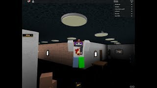 im flying the horror mansion roblox