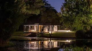 Wirra Willa Pavilion - The Guest House With Romatic Design Style And Cantilever Over Lilly Pond