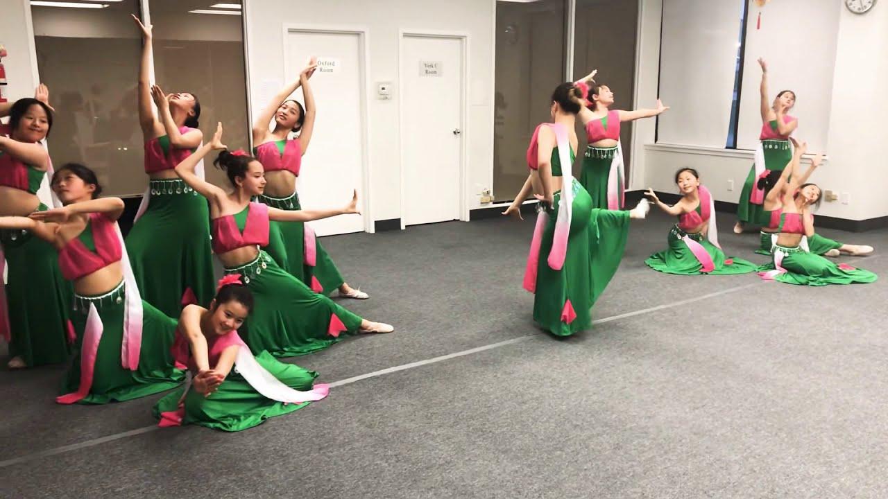 Happy Linda Dance Studio 魅力舞献舞蹈学校傣族舞群舞( 版纳印象)