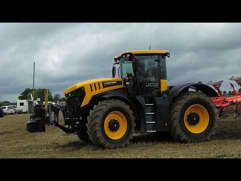 2017 JCB Fastrac 8330 8.4 Litre Diesel Tractor With Kuhn Plough