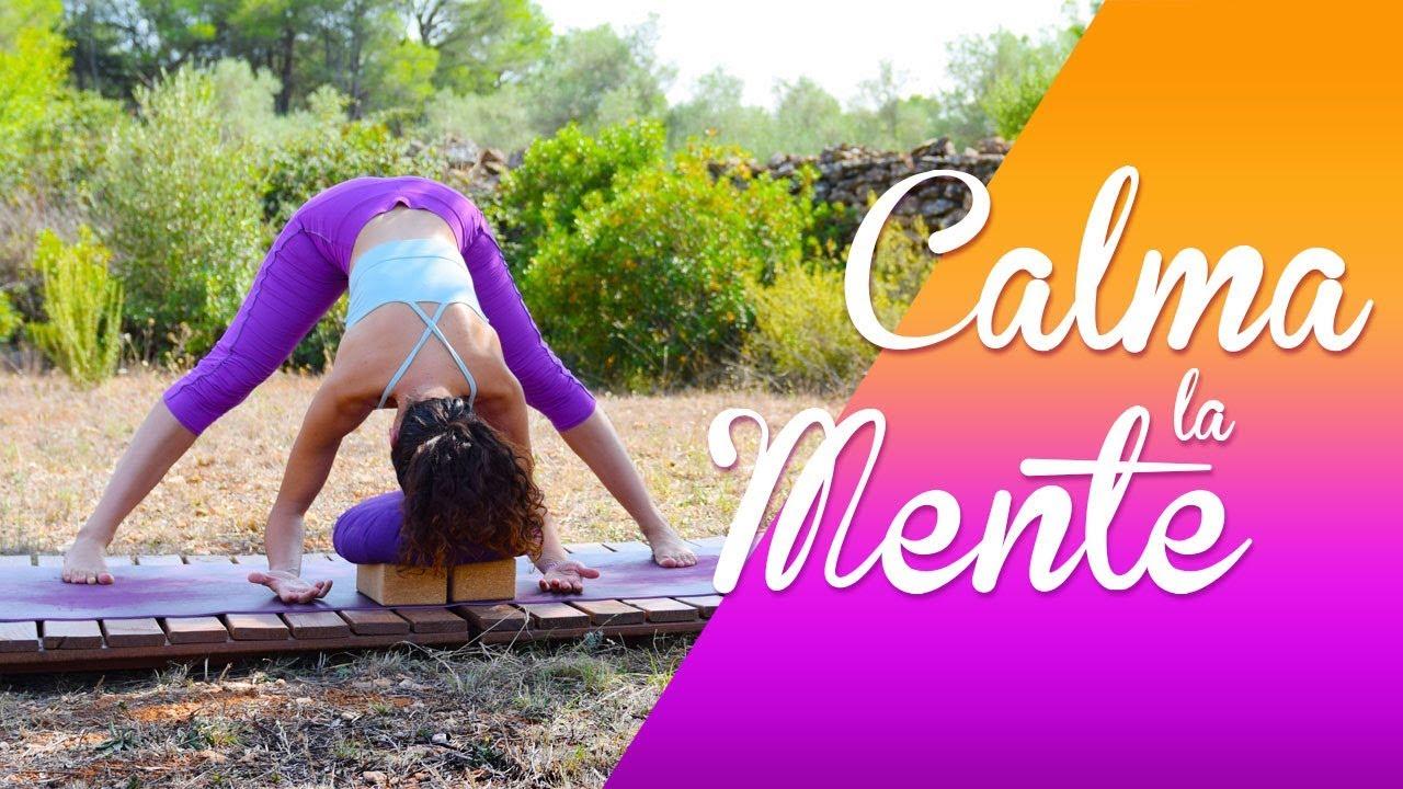 Yoga in gravidanza: prepararsi alla nascita con le asana ...