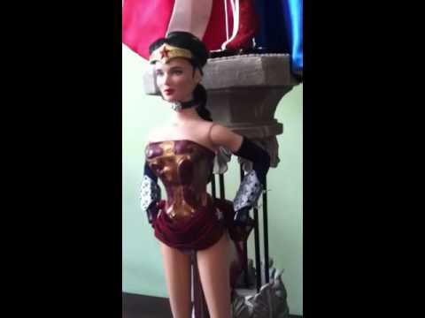 Video 3 Tonner Amazonia Wonder Woman box opening