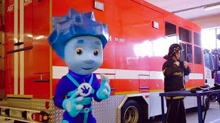 Фиксики - Нолик – пожарный: раз, два, три – огонь, не гори!  | Прогулки с фиксиками!