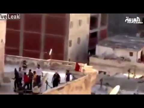 Video shows anti Mursi protesters thrown off building in Alexandria