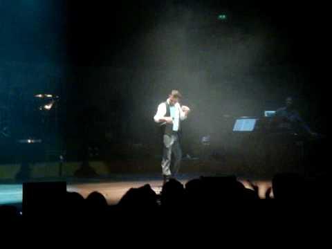 Kenan Dogulu - Aklim Karisti (Live @...