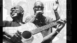 Sonny Terry & Brownie McGhee - Hole In The Wall