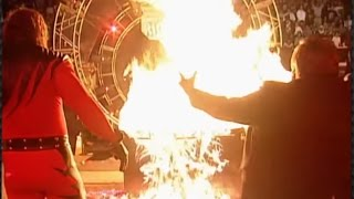 Kane burns The Undertaker