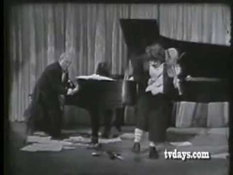 Buster Keaton & Martha Raye (Limelight, original version)