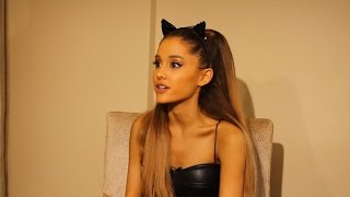 Video Ariana Grande Talks Anxiety and Pre-VMA Stage Fright download MP3, 3GP, MP4, WEBM, AVI, FLV September 2018